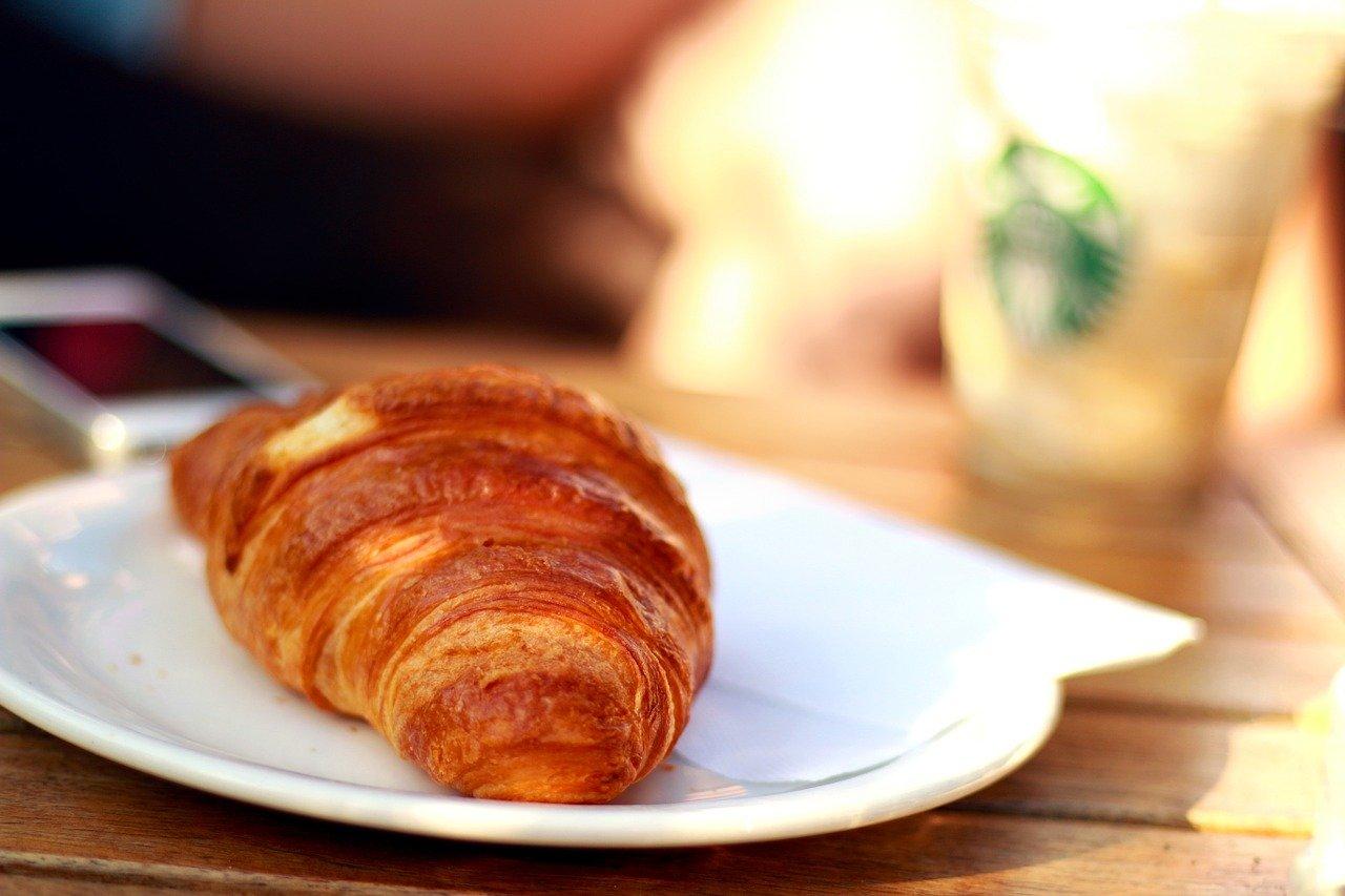 croissant, puff paste, flaky wienerbrød-410322.jpg